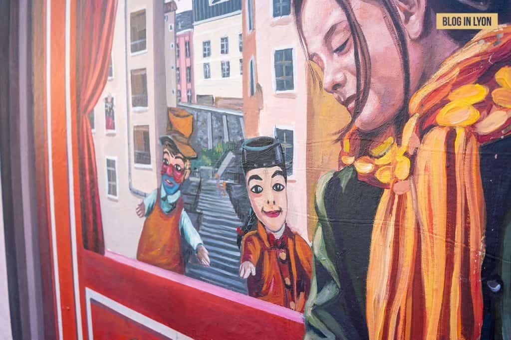 Fresque des Canuts - Top 15 des plus beaux murs peints de Lyon   Blog In Lyon