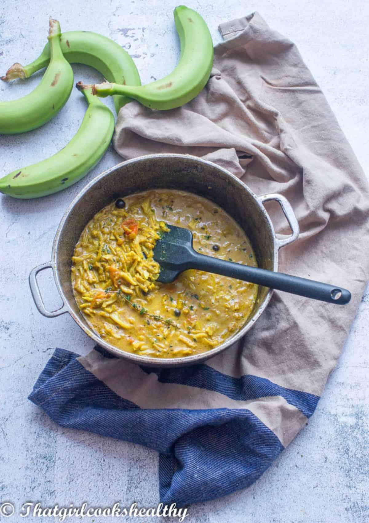 Jackfruit curry in a dutch pot