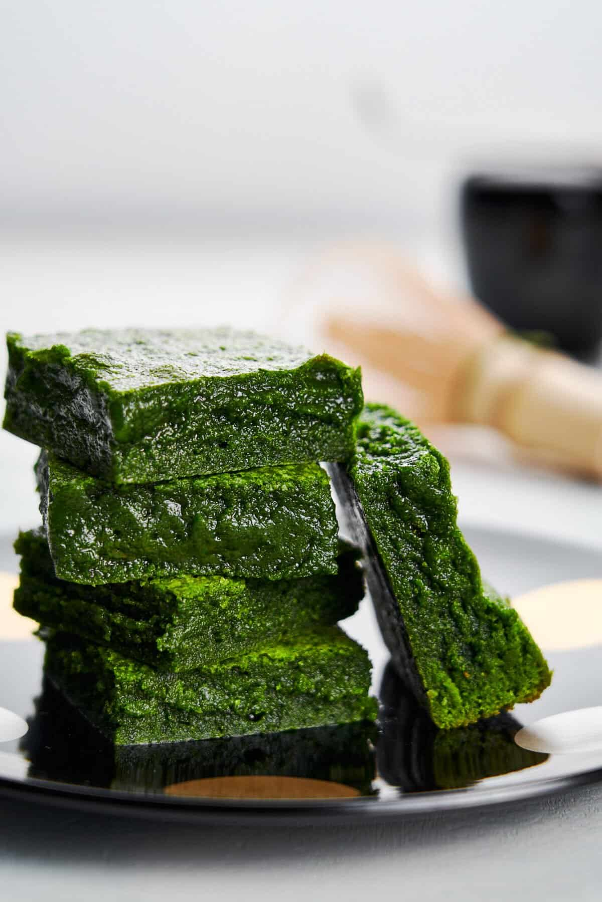 These easy green tea brownies made from white chocolate and matcha are crisp on the outside and fudgy on the inside. Their vibrant green color makes them perfect for holiday baking.