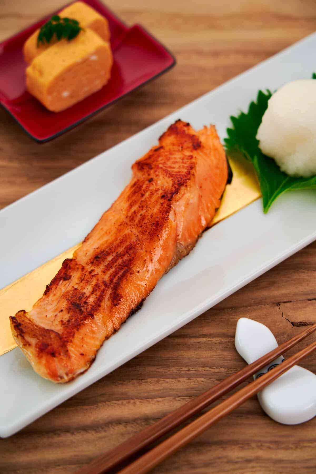 Grilled salt-cured salmon is a staple of traditional japanese breakfasts. This easy grilled salmon recipe includes just 3 ingredients.