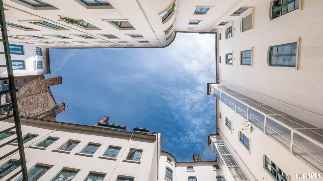 Les traboules de la Croix-Rousse Est - Petite rue des feuillants | Blog In Lyon