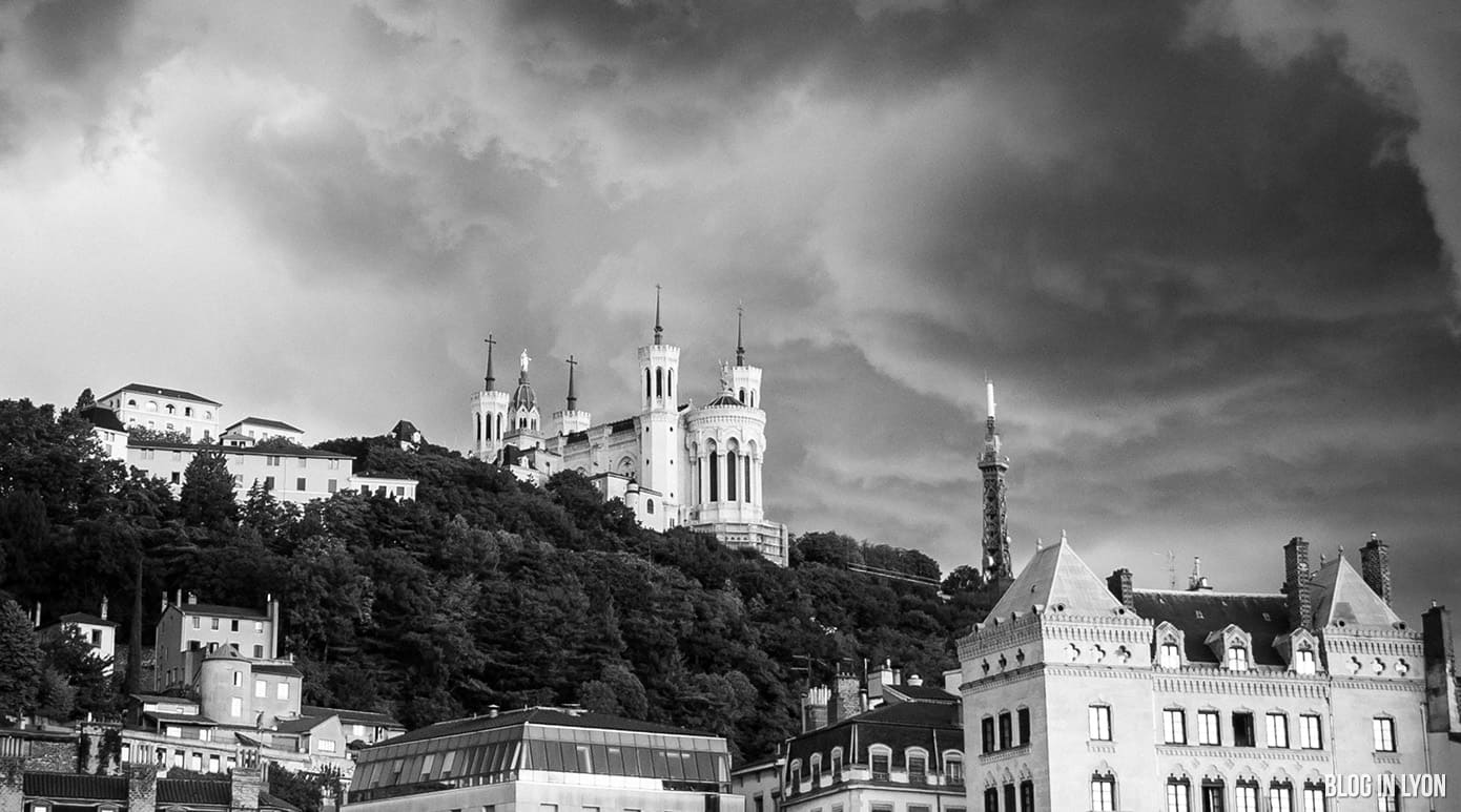 Basilique de Fourvière en noir et blanc