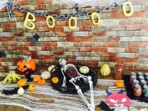 boooo halloween table