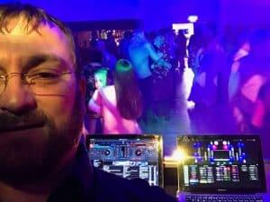 DJ Wayne Braybrook - Award Winning Wedding DJ and Master of Ceremonies in Cambridgeshire, Norfolk & Suffolk