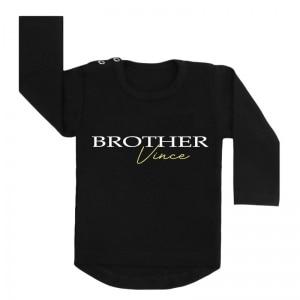 Brother with name gold shirt zwart