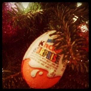 kinder egg, kinder surprise egg,