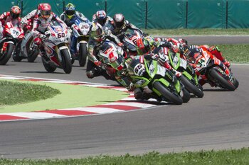IMOLA, ITALY - MAY 10:  Jonathan Rea of Great Britain and KAWASAKI RACING TEAM leads the field during the WSBK race 2 during the World Superbikes - Race at Enzo & Dino Ferrari Circuit on May 10, 2015 in Imola, Italy.  (Photo by Mirco Lazzari gp/Getty Images)