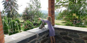 Spinning charlotte's web at naumkeag