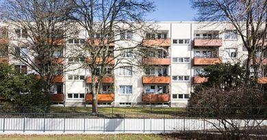 Mietshäuser Dahlienweg 6 bis 10, Chrysanthemenweg 4 bis 14 in Köln-Seeberg - Elke Wetzig, CC BY-SA 4.0 https://creativecommons.org/licenses/by-sa/4.0, via Wikimedia Commons