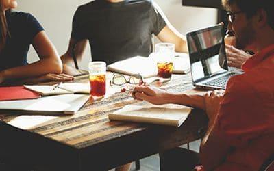 ¿Es recomendable compartir espacio con compañeros de trabajo fuera de la oficina?