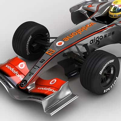 915 2008 F1 McLaren MP4 23 and Ferrari F2008