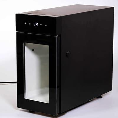 Kaffeevollautomat mit Milchkühlschrank