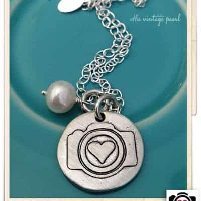 I Heart Faces Camera Necklace Giveaway