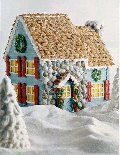 Cute Gingerbread House Decorating Ideas and Inspiration.