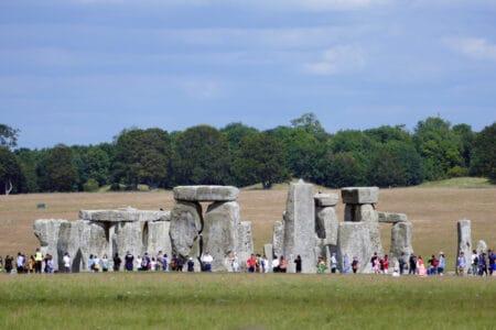 Touristen am Stonehenge