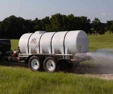 1000 Gallon D.O.T. Water Trailer