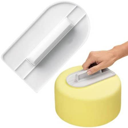How to make fondant icing and simple cake decorating tips! Homemade rolled fondant recipe.