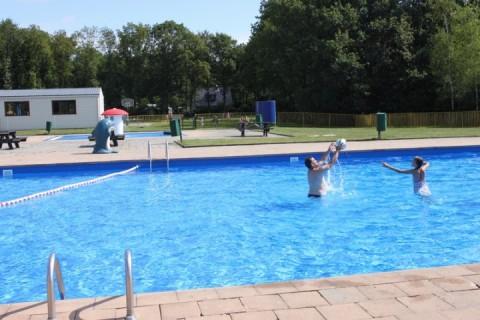 Park Drentheland verwarmd zwembad