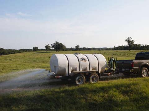 Truck Pulling 1600 Water Trailer Dust Abatement