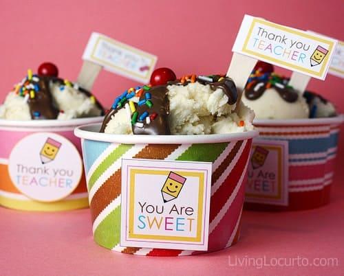 Ice Cream Sundae Cupcake Recipe - Free Party Printabels