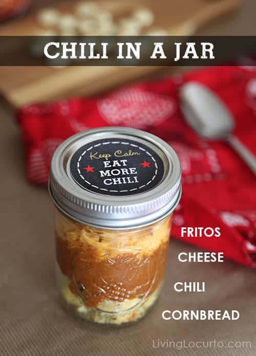 Chili in a Jar! Chili Party Ideas with free printables are simple dinner party ideas you can quickly throw together. Easy birthday, fall party or football party buffet.