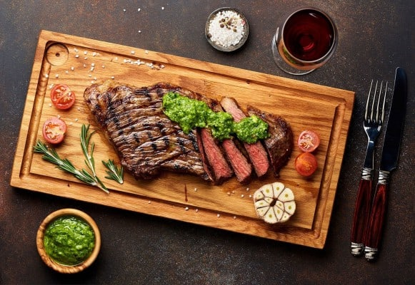 استیک گوشت با سس Board-باربیکیو آتش مهر
