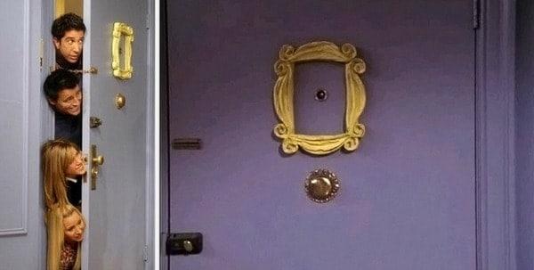 monicas-apartment-on-friends-purple-door