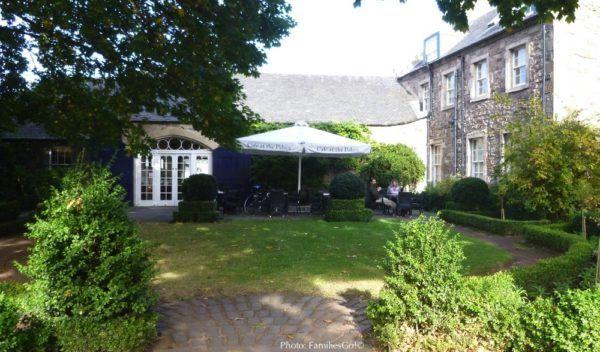 Holyrood cafe, near edinburgh' royal mile
