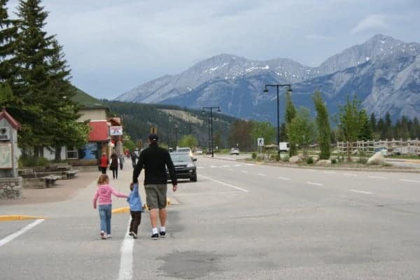 jasper, walking in jasper, jasper alberta, walk to best western jasper, jaster with a toddler