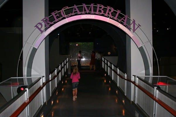 drumheller museum, dinosaur museum, royal tyrrell museum, drumheller alberta, drumheller, drumheller with toddler, drumheller with a toddler, drumheller with kids