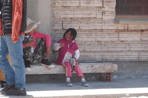 Meninas bolivianas