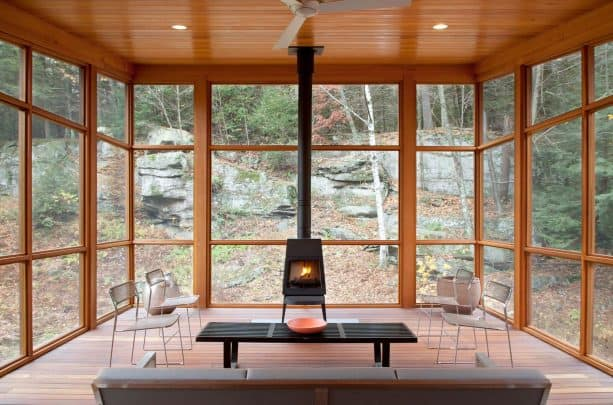 The Shaker Stove by Wittus as alternative for space-saving fireplace for the screened porch