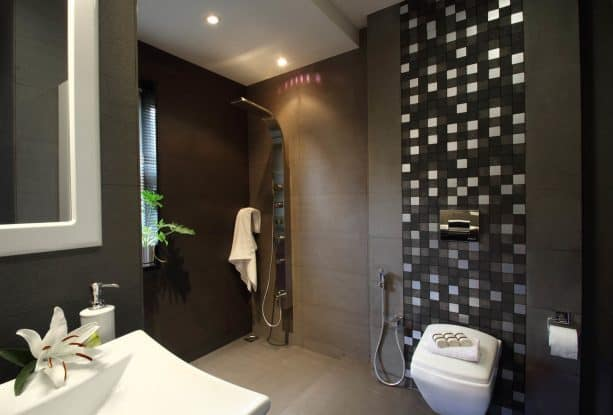 grey and white bathroom in dark theme