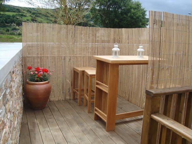 deck railing privacy screen for outdoor bar area