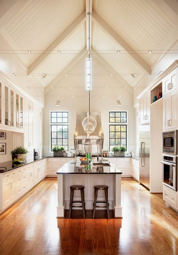 cream cabinets paired with cream wall and ceiling