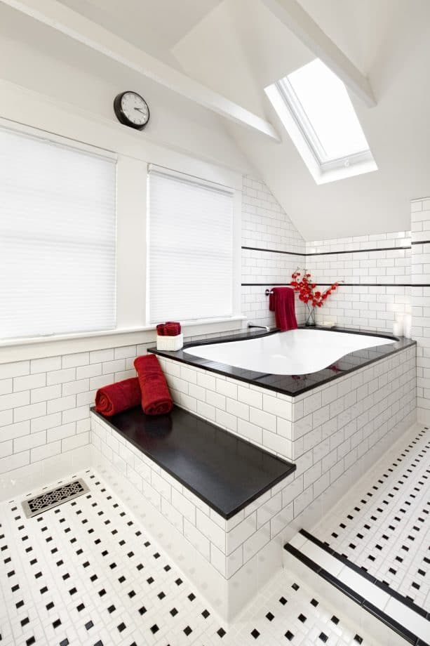 red, black, and white bathroom decor for building a romantic atmosphere