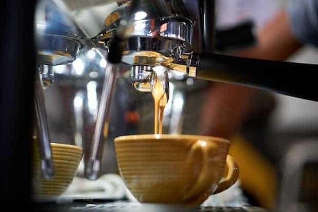 Espresso brewing to make a breve coffee