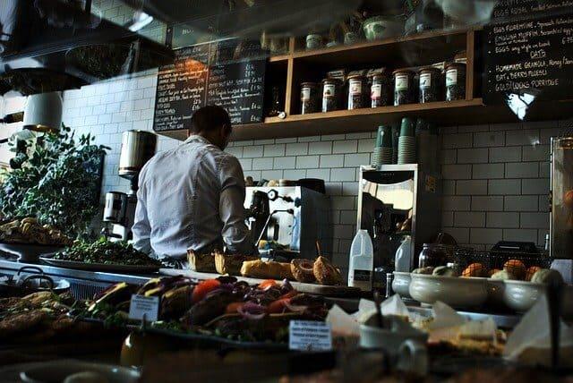 Kellner - Nur einer von vielen Berfun mit niedrige Einkommen