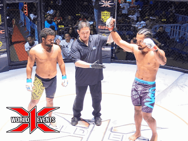 Blake Cooper from Oahu defeats Andru Davis Henry from Florida