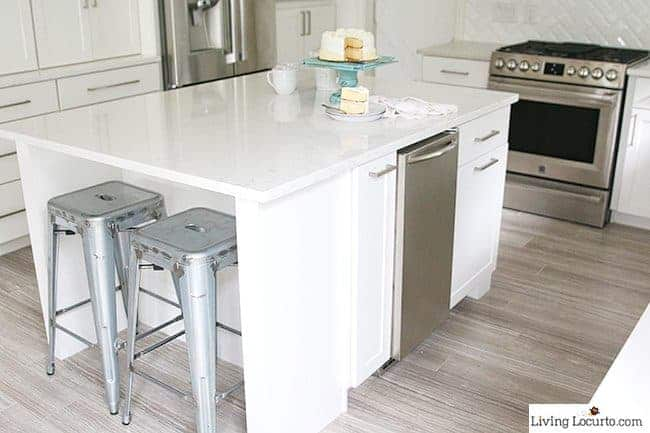 Kitchen Island. The best Kitchen Cabinet Organization Ideas! This Modern Farmhouse White Kitchen is full of clever ways to organize cabinets. Home organizing inspiration.