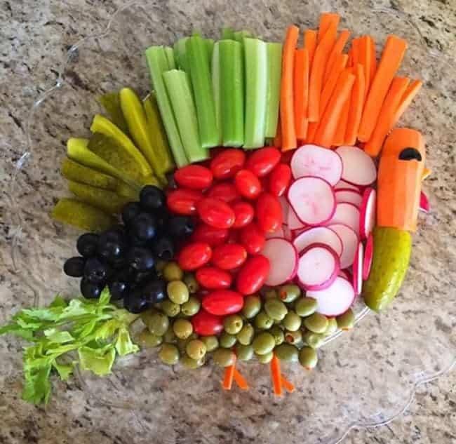 Easy Thanksgiving Turkey Vegetable Tray