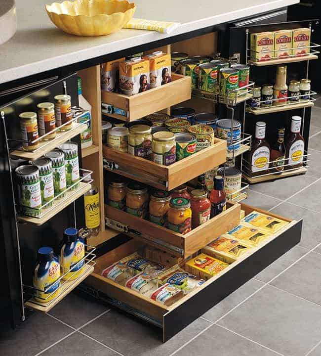 SuperCabinet Thomasville Cabinetry - How to choose the perfect kitchen cabinets! Great organizing ideas. Whether you are choosing to upgrade a few things or remodeling your kitchen, these handy tips and kitchen cabinet ideas will help to get you started! LivingLocurto.com