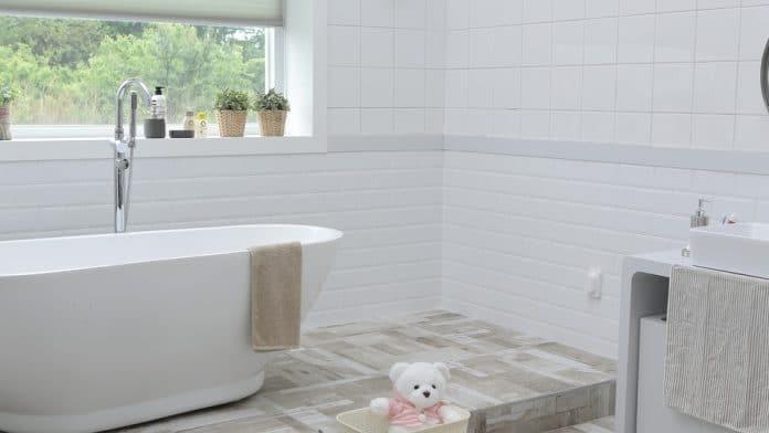 For A Stylish Bathroom, Install Modern Lighting Fixtures - Bill Lentis Media