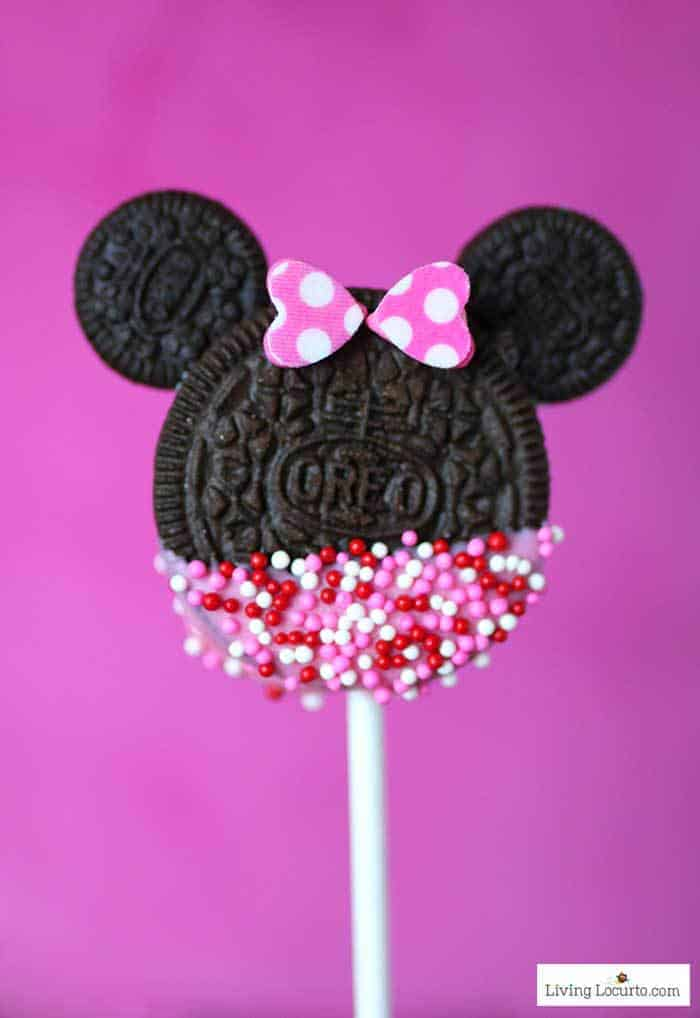 Minnie Mouse Cookie Pops are an easy Disney party dessert made with OREO cookies and free printable Valentine's Day tags. Cute Valentine cookie recipe. LivingLocurto.com