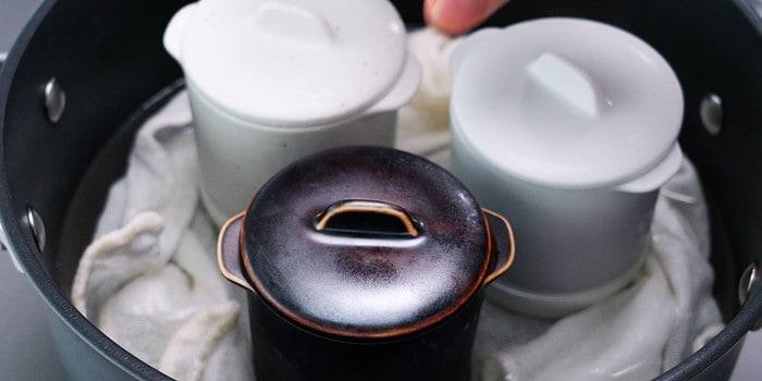 Steam the chawanmushi in a water bath.
