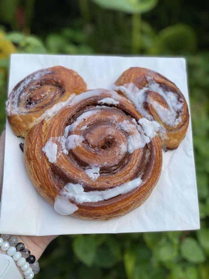 Colossal Mickey Cinnamon Roll Animal Kingdom Snacks