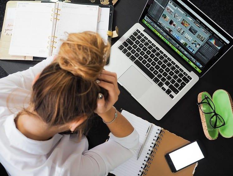 7 WYMÓWEK, BY ZOSTAĆ W PRACY, KTÓRA CIĘ MĘCZY? Career PRO Agent Kariery wspieramy w zmianach zawodowych profesjonalne CV manager szukanie pracy jak szukać pracy pomoc w szukaniu pracy dla managerów manager zmiana pracy