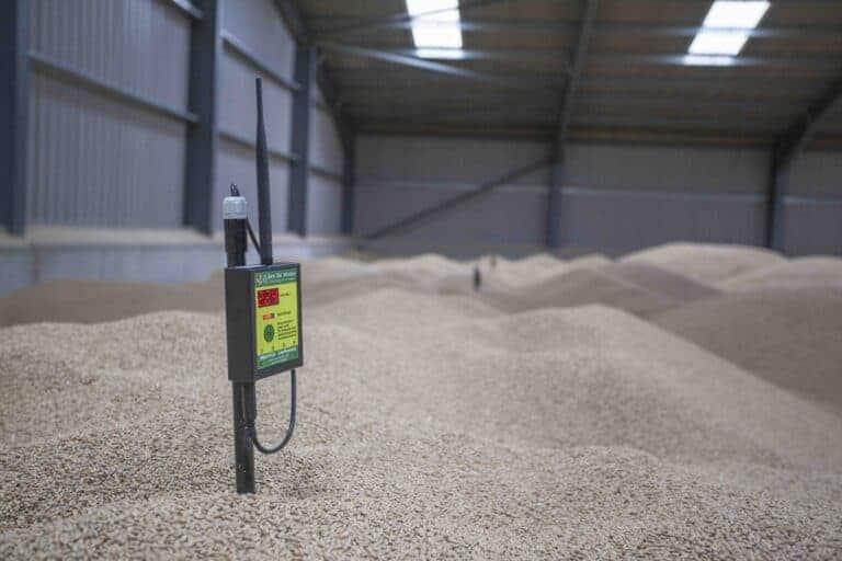 Barn Owl Wireless crop sensors continually monitor the crop temperature.