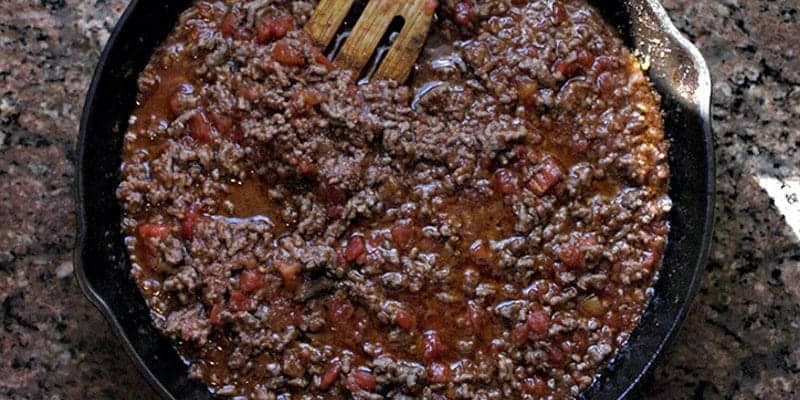 Trim Healthy Mama Chili in Cast Iron Pan