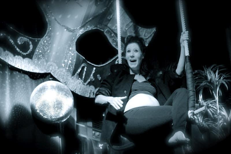 Rosey Lalonde eats the moon (photo © Carolyn Nowaczyk)